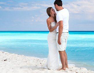 Nunta pe plaja si reinoirea juramintelor in Mexic